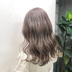 ミルクティーグレージュ ロング ナチュラル グレージュ ヘアスタイルや髪型の写真・画像