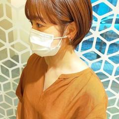 ショート ショートヘア ワイドバング アプリコットオレンジ ヘアスタイルや髪型の写真・画像