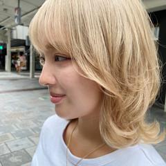 ホワイトブリーチ インナーカラー ブリーチカラー アッシュベージュ ヘアスタイルや髪型の写真・画像