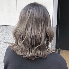 グレージュ シアーベージュ アディクシーカラー ベージュ ヘアスタイルや髪型の写真・画像