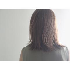 切りっぱなし ナチュラル ハイライト ミディアム ヘアスタイルや髪型の写真・画像