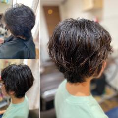 ショートヘア ショート エレガント ゆるふわパーマ ヘアスタイルや髪型の写真・画像
