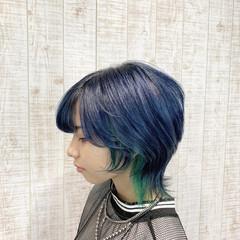 インナーカラー ウルフカット デザインカラー ミディアム ヘアスタイルや髪型の写真・画像
