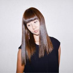 グラデーションカラー モード アッシュ 前髪あり ヘアスタイルや髪型の写真・画像
