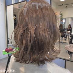 シアーベージュ ミルクティーグレージュ ナチュラル 外ハネボブ ヘアスタイルや髪型の写真・画像