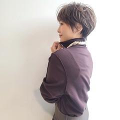 丸みショート ショートヘア ナチュラル ニュアンスパーマ ヘアスタイルや髪型の写真・画像