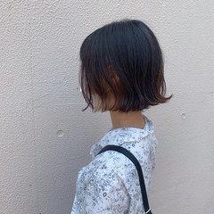フェミニン ボブアレンジ コテ巻き 切りっぱなしボブ ヘアスタイルや髪型の写真・画像