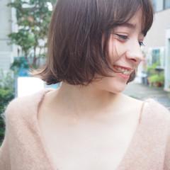 無造作 レイヤーカット 透明感 ナチュラル ヘアスタイルや髪型の写真・画像