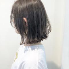 外ハネ グレージュ ボブ 透明感 ヘアスタイルや髪型の写真・画像