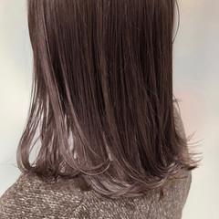 セミロング 切りっぱなしボブ ナチュラル ミニボブ ヘアスタイルや髪型の写真・画像