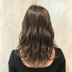 アンニュイ ウェーブ 女子会 抜け感 ヘアスタイルや髪型の写真・画像