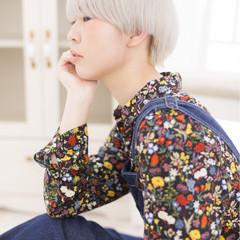 ブリーチ ショート ホワイト ヘアアレンジ ヘアスタイルや髪型の写真・画像