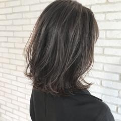 透明感カラー 似合わせカット アンニュイほつれヘア グレージュ ヘアスタイルや髪型の写真・画像