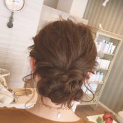 フェミニン ねじり ゆるふわ ヘアアレンジ ヘアスタイルや髪型の写真・画像