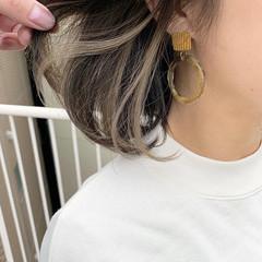 インナーカラー インナーカラーホワイト オリーブアッシュ オリーブカラー ヘアスタイルや髪型の写真・画像