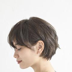 オフィス ショートボブ モード パーマ ヘアスタイルや髪型の写真・画像