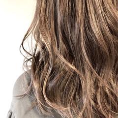 ウェーブ ナチュラル ロング 外国人風カラー ヘアスタイルや髪型の写真・画像