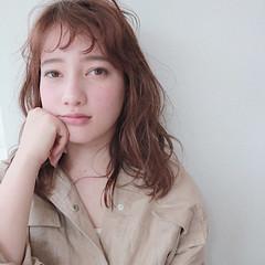 フリンジバング 小顔 アンニュイ リラックス ヘアスタイルや髪型の写真・画像