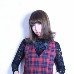 秋 モード ミディアム ウェーブ ヘアスタイルや髪型の写真・画像