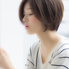 ナチュラル ショート 小顔 色気 ヘアスタイルや髪型の写真・画像