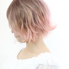 切りっぱなし ピンク ボブ ガーリー ヘアスタイルや髪型の写真・画像