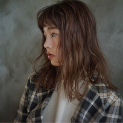 アンニュイほつれヘア グレージュ オーガニック ナチュラル ヘアスタイルや髪型の写真・画像