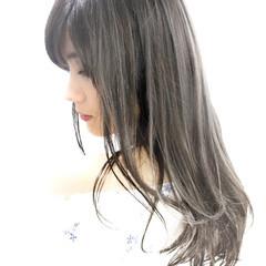 グレージュ ハイライト アッシュ 暗髪 ヘアスタイルや髪型の写真・画像