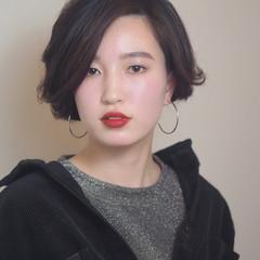 うざバング ナチュラル ショート 大人女子 ヘアスタイルや髪型の写真・画像