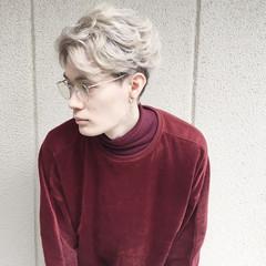 メンズ ホワイトアッシュ ニュアンス ミルクティー ヘアスタイルや髪型の写真・画像