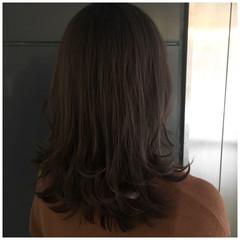 アッシュグレー くすみカラー ミディアム ラベンダーグレージュ ヘアスタイルや髪型の写真・画像