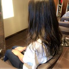 透明感 グレー 秋 ロング ヘアスタイルや髪型の写真・画像