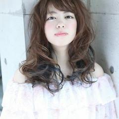暗髪 グラデーションカラー ロング 大人かわいい ヘアスタイルや髪型の写真・画像