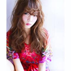 フェミニン ウェーブ 大人かわいい ガーリー ヘアスタイルや髪型の写真・画像