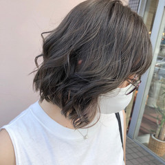 インナーカラー イルミナカラー フェミニン ミディアム ヘアスタイルや髪型の写真・画像