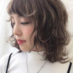 外ハネ ハイライト ゆるふわ 外国人風 ヘアスタイルや髪型の写真・画像