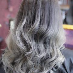 バレイヤージュ エレガント グレージュ 外国人風カラー ヘアスタイルや髪型の写真・画像