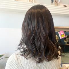 アッシュグレージュ ミディアム グレージュ 透明感カラー ヘアスタイルや髪型の写真・画像