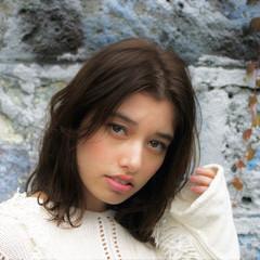 外国人風 セミロング 大人かわいい ブラウン ヘアスタイルや髪型の写真・画像