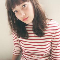 大人かわいい 外国人風 ナチュラル セミロング ヘアスタイルや髪型の写真・画像
