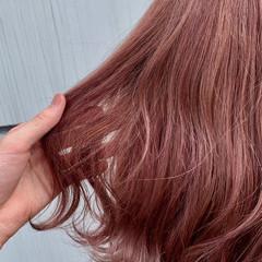 ピンクベージュ ベージュカラー ピンクカラー ガーリー ヘアスタイルや髪型の写真・画像