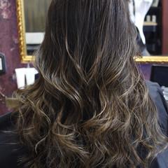 ブリーチ ミルクティーベージュ 外国人風カラー ロング ヘアスタイルや髪型の写真・画像