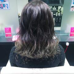 モード バレンタイン ミディアム 波ウェーブ ヘアスタイルや髪型の写真・画像