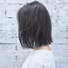 ナチュラル セミロング 切りっぱなしボブ ヘアスタイルや髪型の写真・画像
