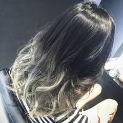 ブルー ブルーアッシュ セミロング ブルージュ ヘアスタイルや髪型の写真・画像