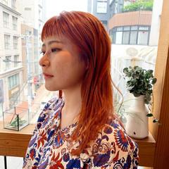 ブリーチオンカラー セミロング オン眉 ブリーチカラー ヘアスタイルや髪型の写真・画像