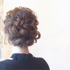 結婚式 ガーリー セミロング ヘアアレンジ ヘアスタイルや髪型の写真・画像