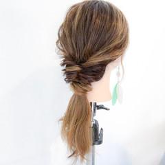 デート リラックス アウトドア ロング ヘアスタイルや髪型の写真・画像
