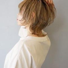 セミロング ダブルカラー デザインカラー ハイライト ヘアスタイルや髪型の写真・画像