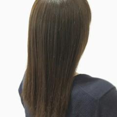 ナチュラル アッシュ イルミナカラー フェミニン ヘアスタイルや髪型の写真・画像