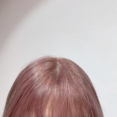 ハイトーン ブリーチ ピンク 切りっぱなしボブ ヘアスタイルや髪型の写真・画像